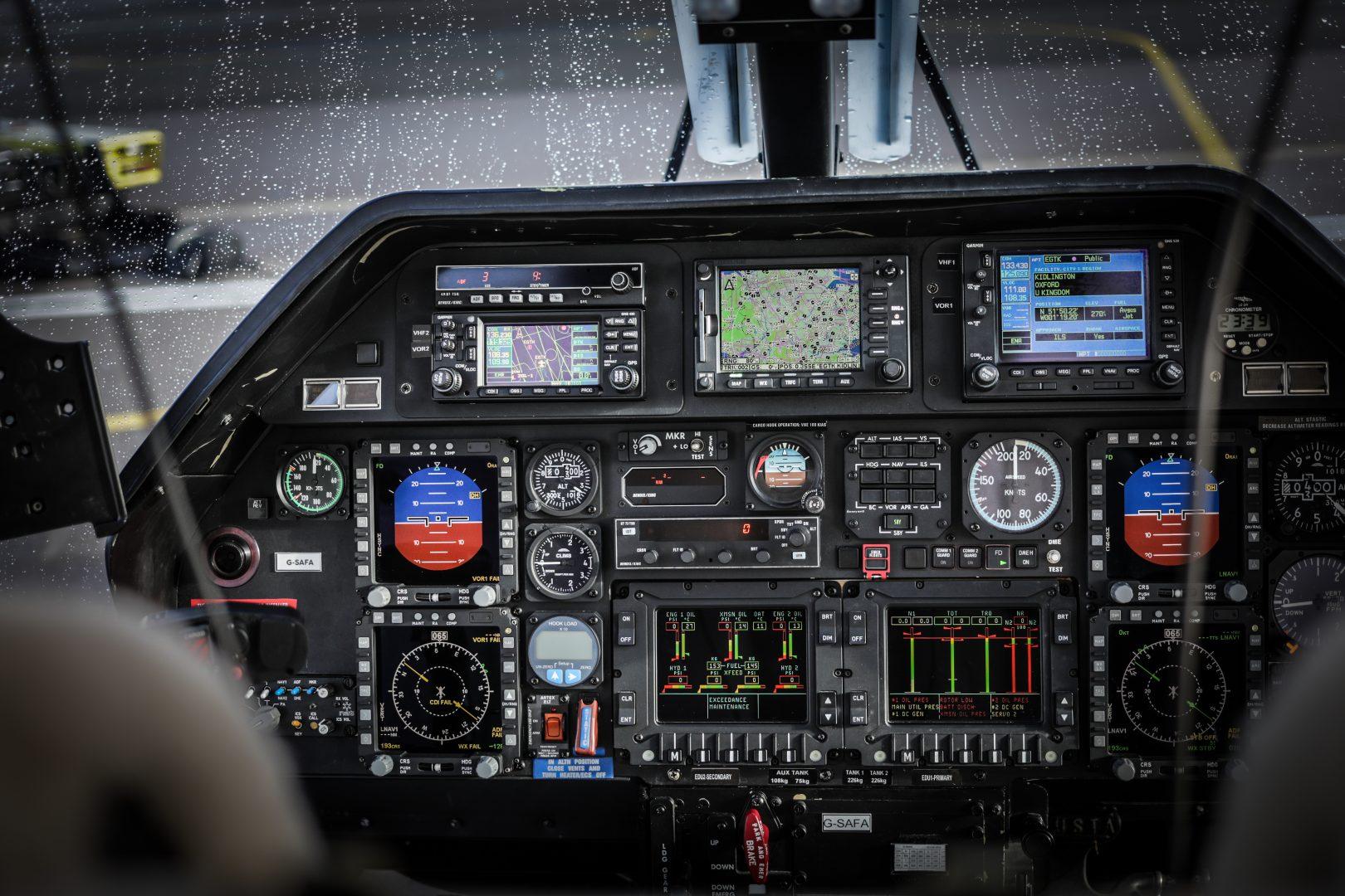 G-SAFA cockpit